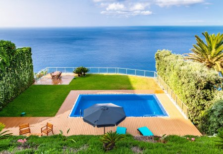 Villa in Garajau, Madeira