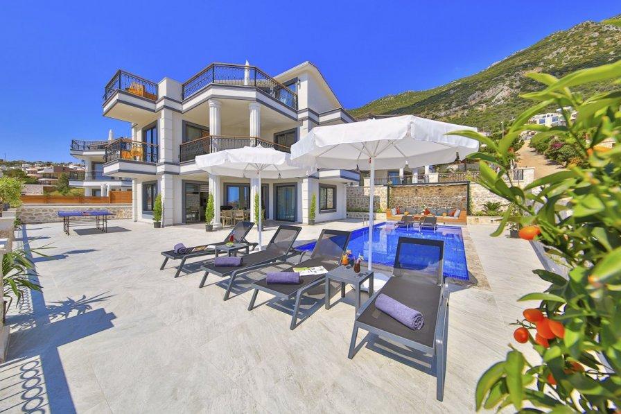 Villa Bir