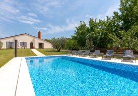 Villa in Valbandon, Croatia