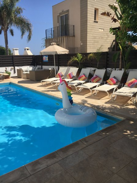 Villa Chloe - 3 Bedroom Villa with Private Pool