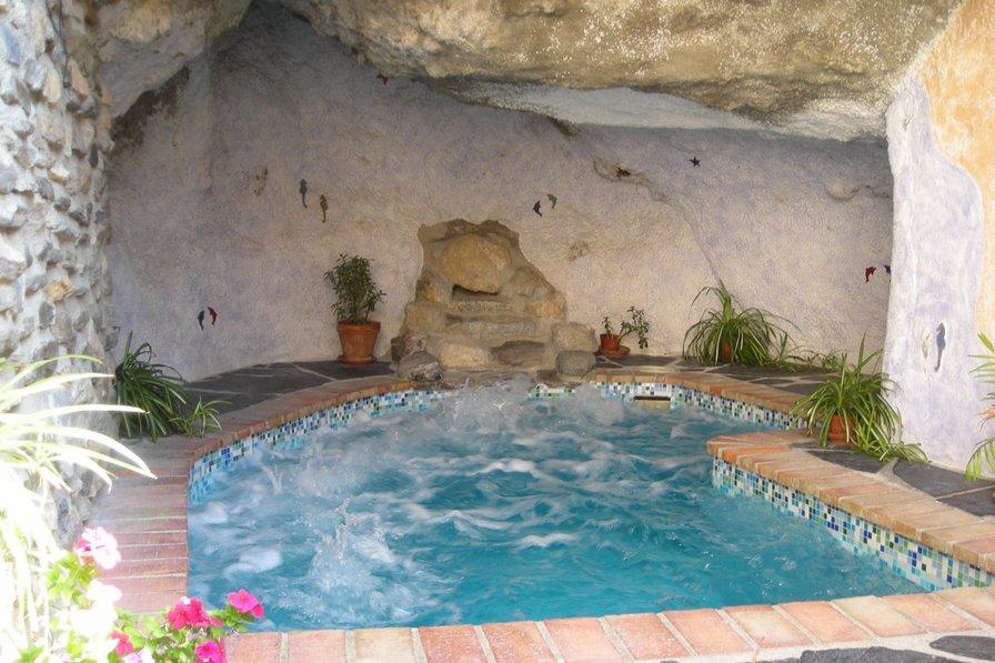 Owners abroad La Cueva - La Estrella