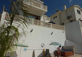 Villa Zeus, 3 Bedroom,Peyia,Private Pool,Jacuzzi,Free internet,