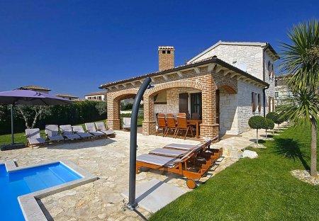 Villa in Barat, Croatia