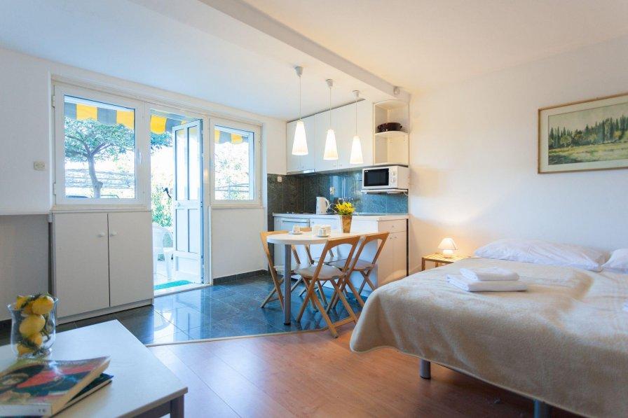 Hedera Estate, Hedera Studio 6