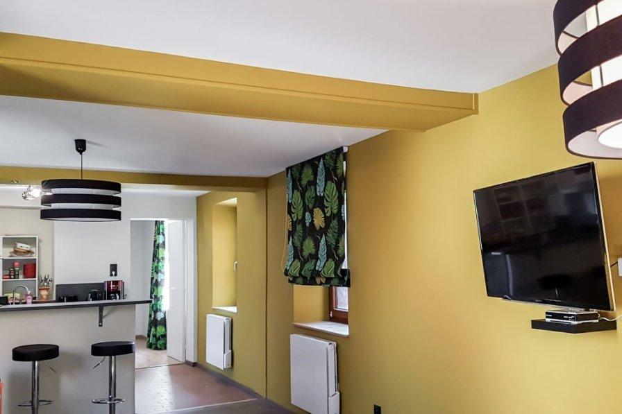 Apartment in France, Grendelbruch
