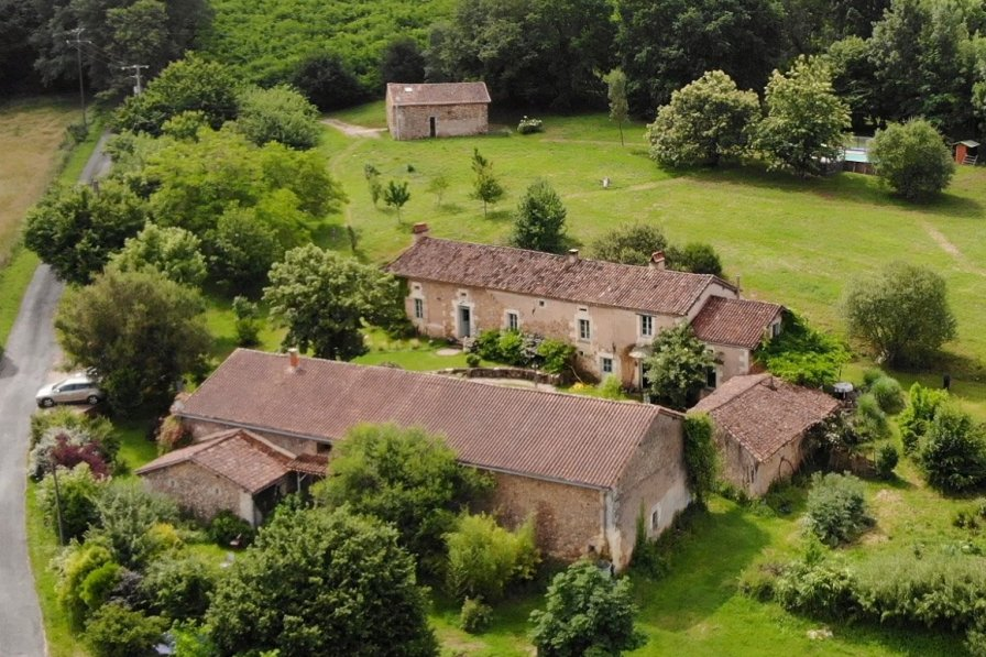 Country house in France, Bourrou