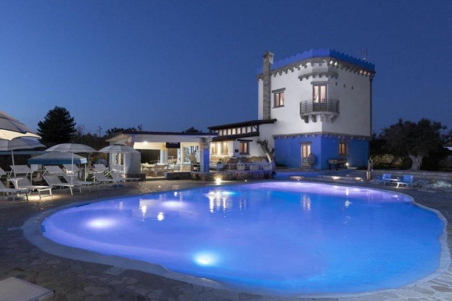 Villa in Italy, Pacci