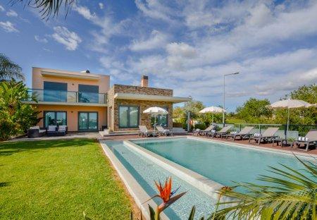 Villa in Quinta dos Reis, Algarve