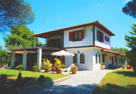 Villa in Nikiti, Greece