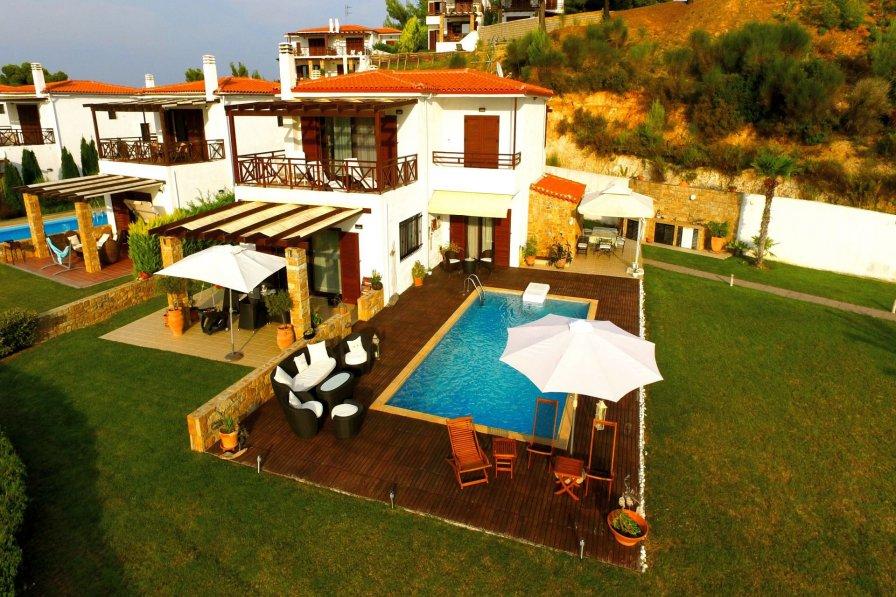Nutsford Private Pool Villa, Elani