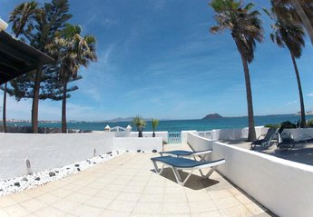 2 bedroom Villa for rent in Corralejo