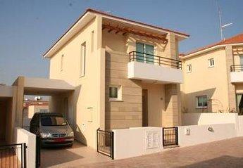 Villa in Cyprus, Oroklini: Beverley Hills Villa