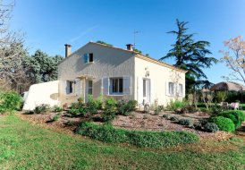 House in Pont de Crau, the South of France