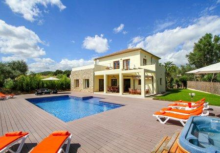 Villa in Crestatx, Majorca