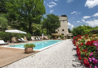 10 bedroom Villa for rent in Spoleto