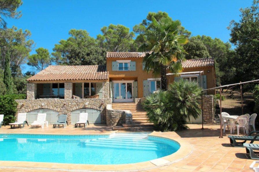 House in France, Entrecasteaux