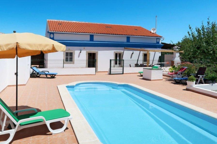 Villa in Portugal, Relvinha