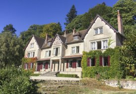 Chateau in Saint-Prix, France