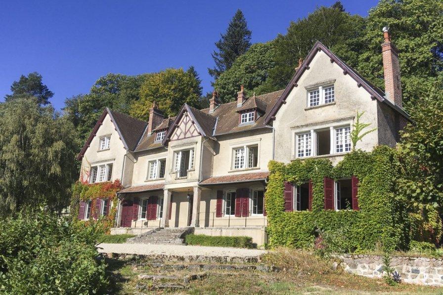 Chateau in France, Saint-Prix