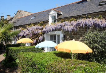 1 bedroom House for rent in Dinard