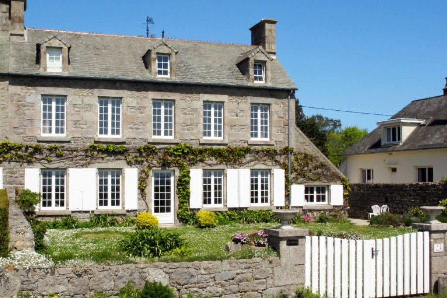 Villa in France, Réville