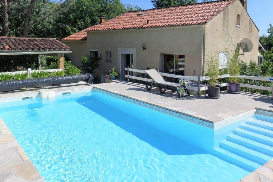 Villa in France, Lamagdelaine