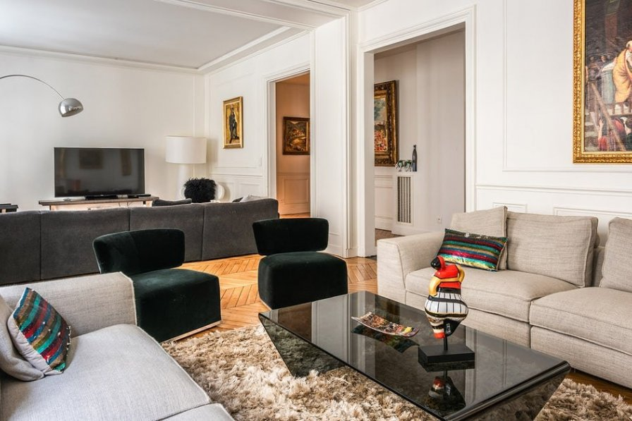 Apartment in France, Chaillot