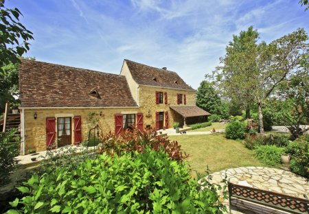 Villa in Nadaillac-de-Rouge, the South of France