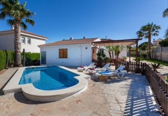 4 bedroom Villa for rent in Tres Calas