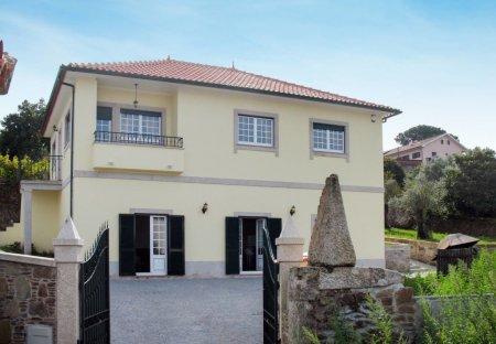 Villa in Lomba, Portugal