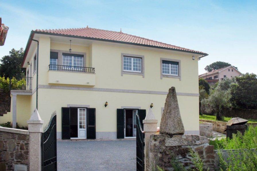 Villa in Portugal, Lomba