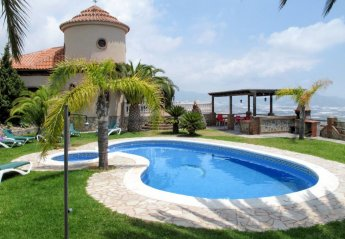 6 bedroom Villa for rent in Motril