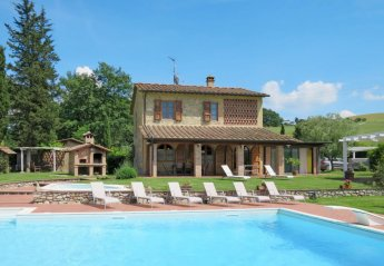 4 bedroom Villa for rent in Volterra