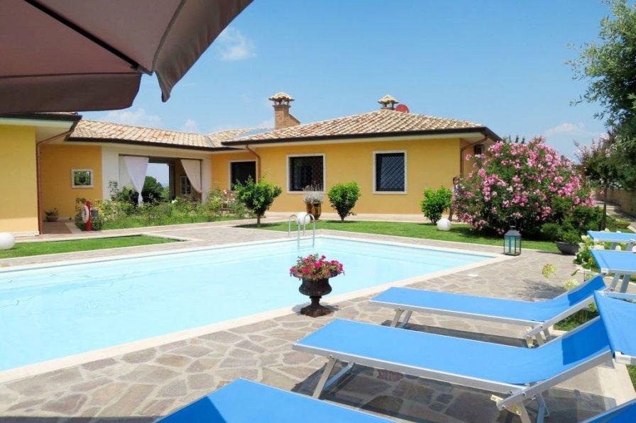 Villa in Italy, Marta