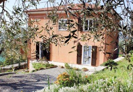 Villa in Civezza, Italy