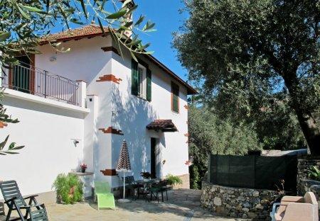 Villa in Borganzo, Italy