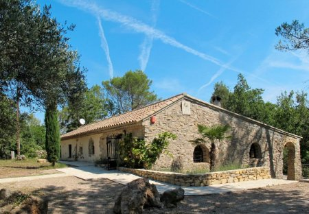 House in Flassans-sur-Issole, the South of France