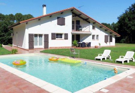 Villa in Magescq, France