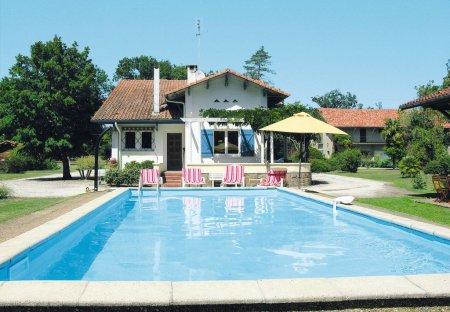 House in Saint-Julien-en-Born, France