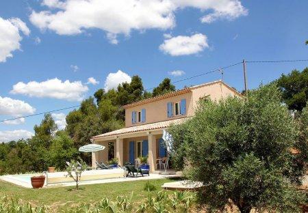 Villa in La Verdière, the South of France