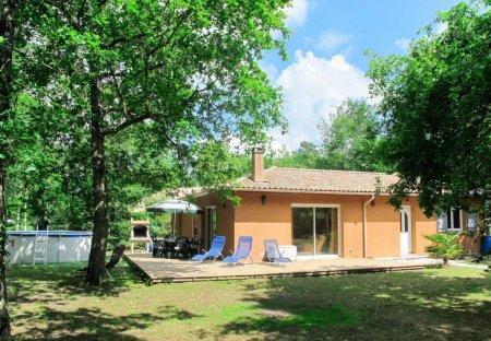 House in Naujac-sur-Mer, France