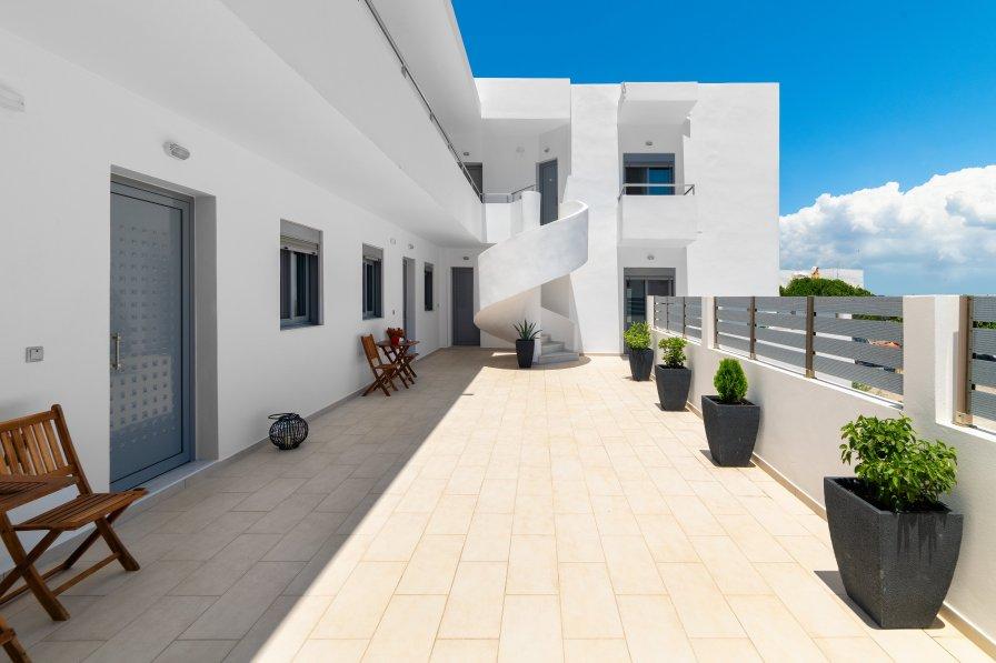 Apartment in Greece, Gennadi