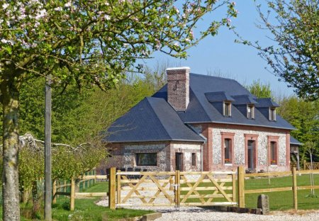 House in Terres-de-Caux, France
