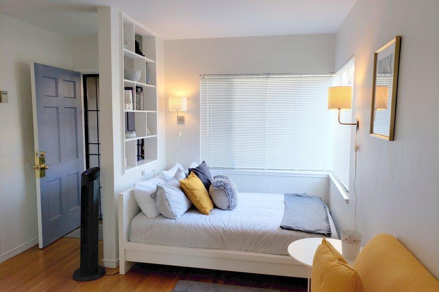 Studio apartment in USA, California