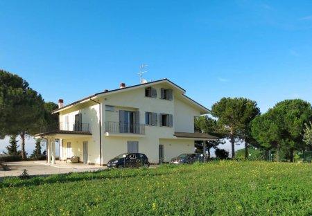 Apartment in Pineto, Italy