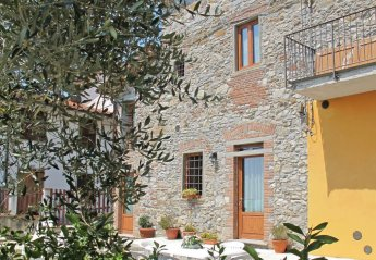 6 bedroom Villa for rent in Monsummano Terme