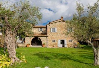 5 bedroom Villa for rent in Cortona