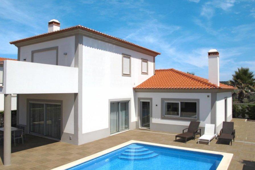 Owners abroad Praia d'el Rey (OBI131)
