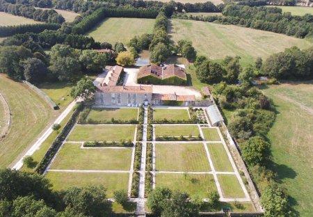 Villa in La Garnache, France: {