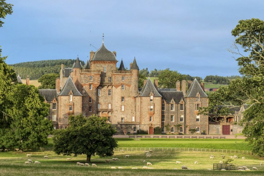 Chateau in United Kingdom, Galawater and Lauderdale